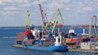 Через Севастопольский порт началась перевалка цемента