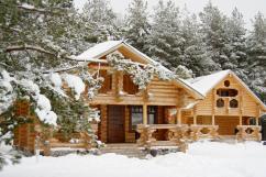 Герметик, чтобы утеплить дом изнутри.