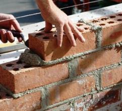 Кирпичу и цементу приписали существенный рост объемов производства